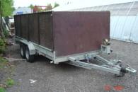 Autotraileri, kuljetusperävaunu kokonaispaino 3,5 tonnia